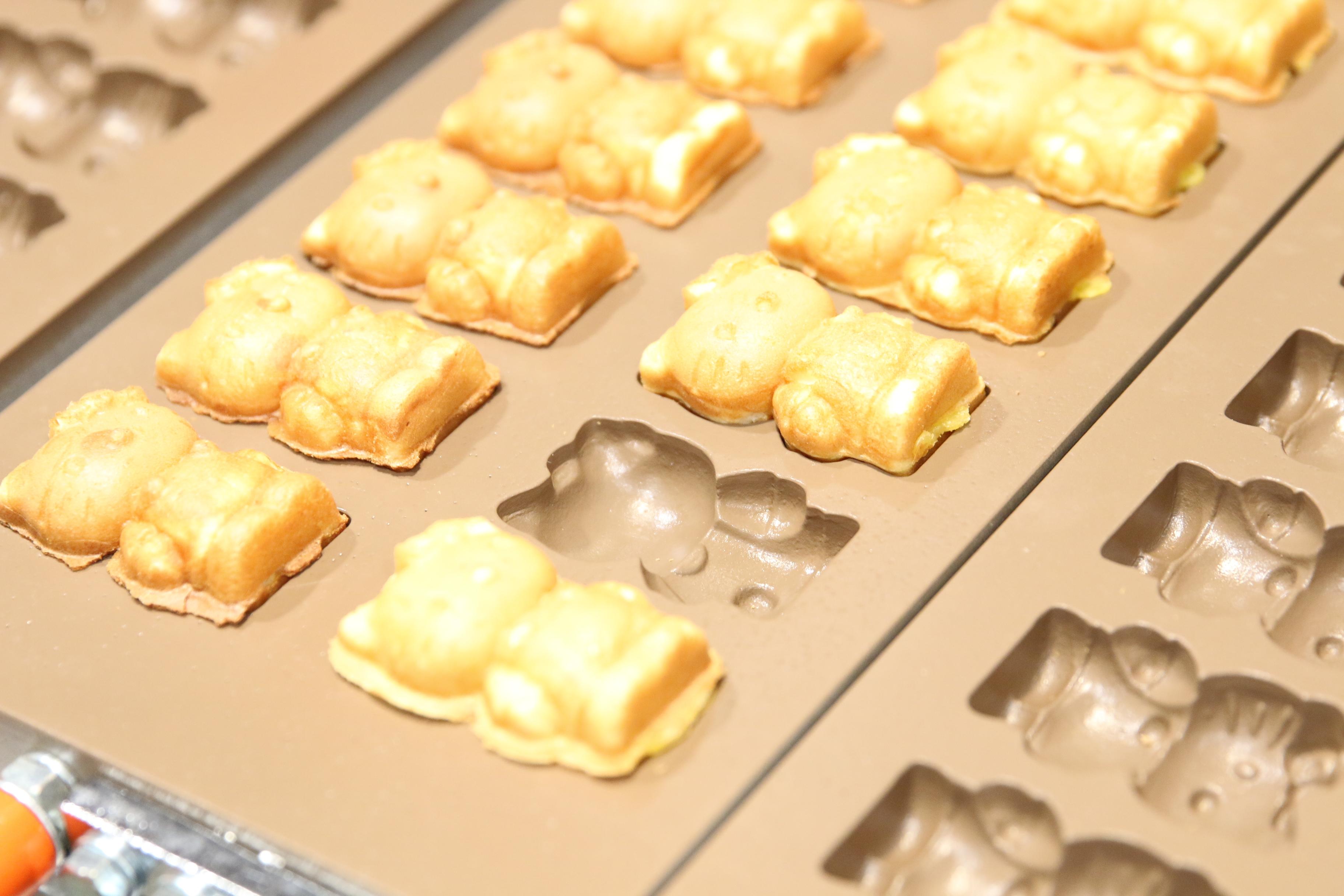 Hello Kitty Waffle2